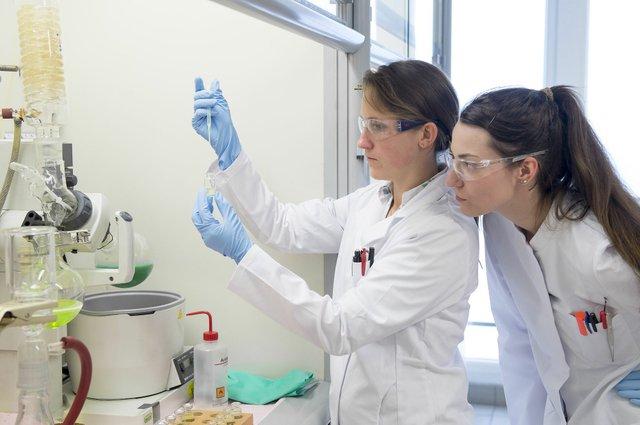 Researchers in Borealis' Innovation Headquarters in Linz, Austria_© Borealis.jpg