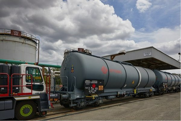 RadiciGroup and Versalis commit to sustainable logistics
