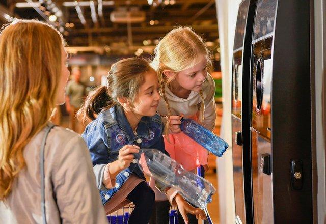 Latvia appoints TOMRA as reverse vending machine provider