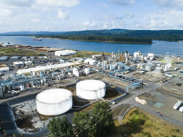 LANXESS completes acquisition of Emerald Kalama Chemical