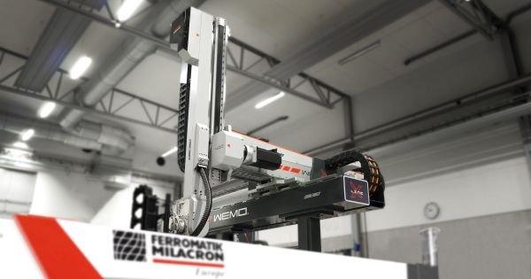 Robot WEMO X-Line 400.jpg