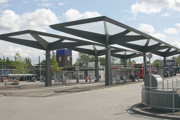 Tottenham_Hale_bus_station__c_David_Kemp__01.JPG