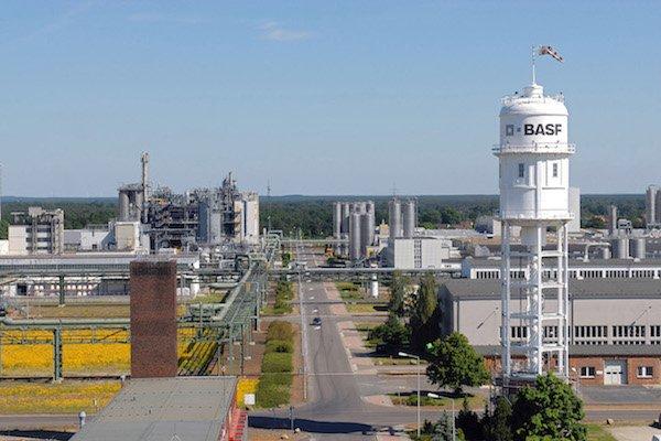 BASF nimmt erweiterte Compoundieranlage für technische Kunststoffe in Betrieb / BASF puts expanded compounding plant for engineering plastics into operation
