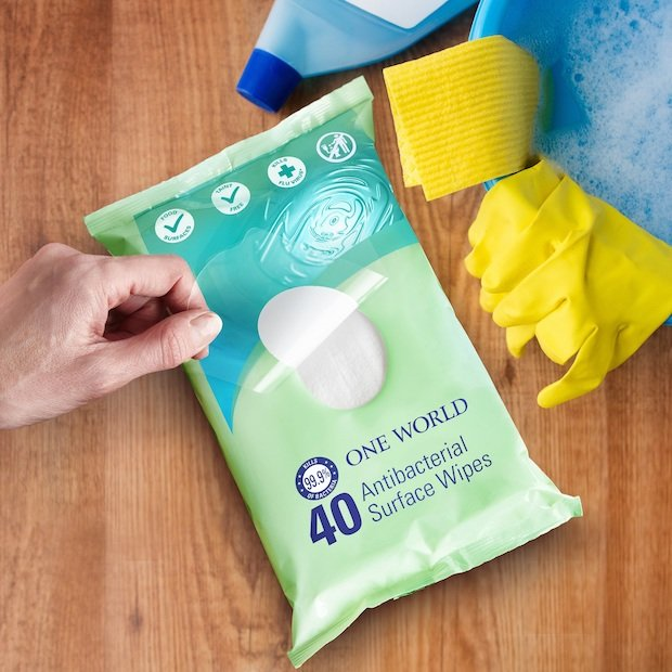 Innovia Cleaning Wipes Pack 300dpi.jpg