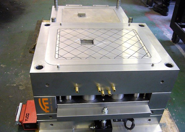 23 07 18 Faulkner Moulds press release image - 2 tonnes battery box lid tool.jpg