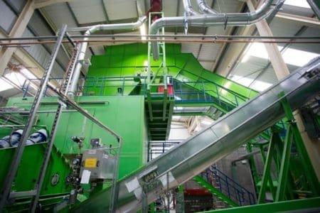 AO-Recycling-the-machine-e1525081256138.jpg