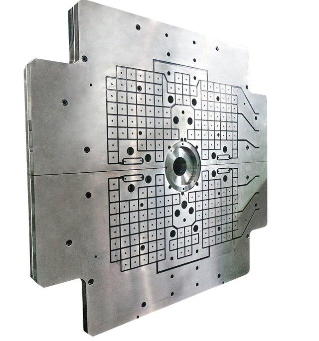 Roemheld_Rivi_magnetic_clamping_plate.jpg