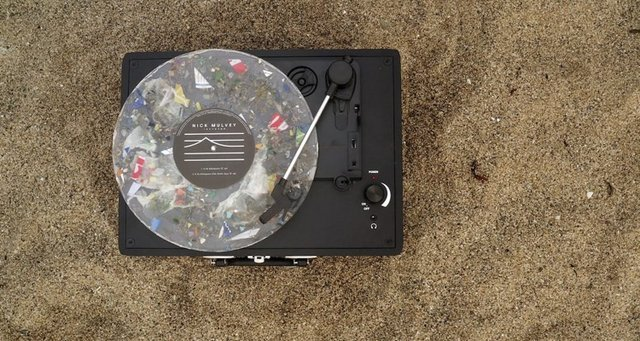 Nick-Mulvey-Plastic-Record.jpg