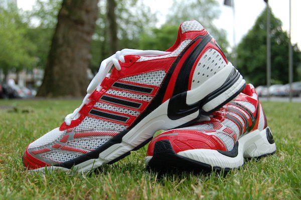 LXS-IMG_sports_shoes_2.jpg
