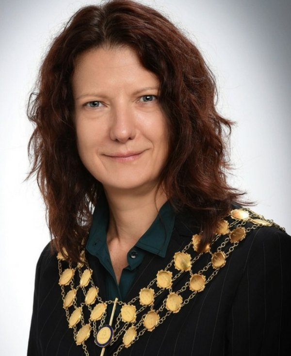 Margaret Bates .png