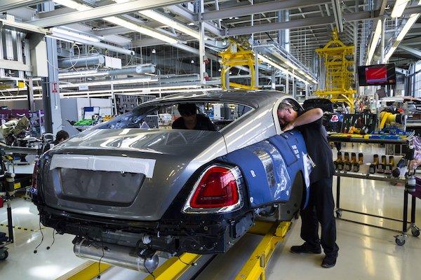 uk car production.jpg