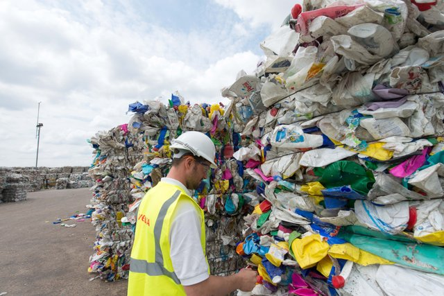 Veolia launches new plastic recycling report